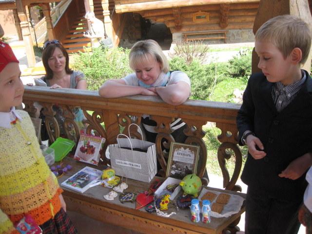 Благотворительная Пасхальная ярмарка в Троицкой Православной школе